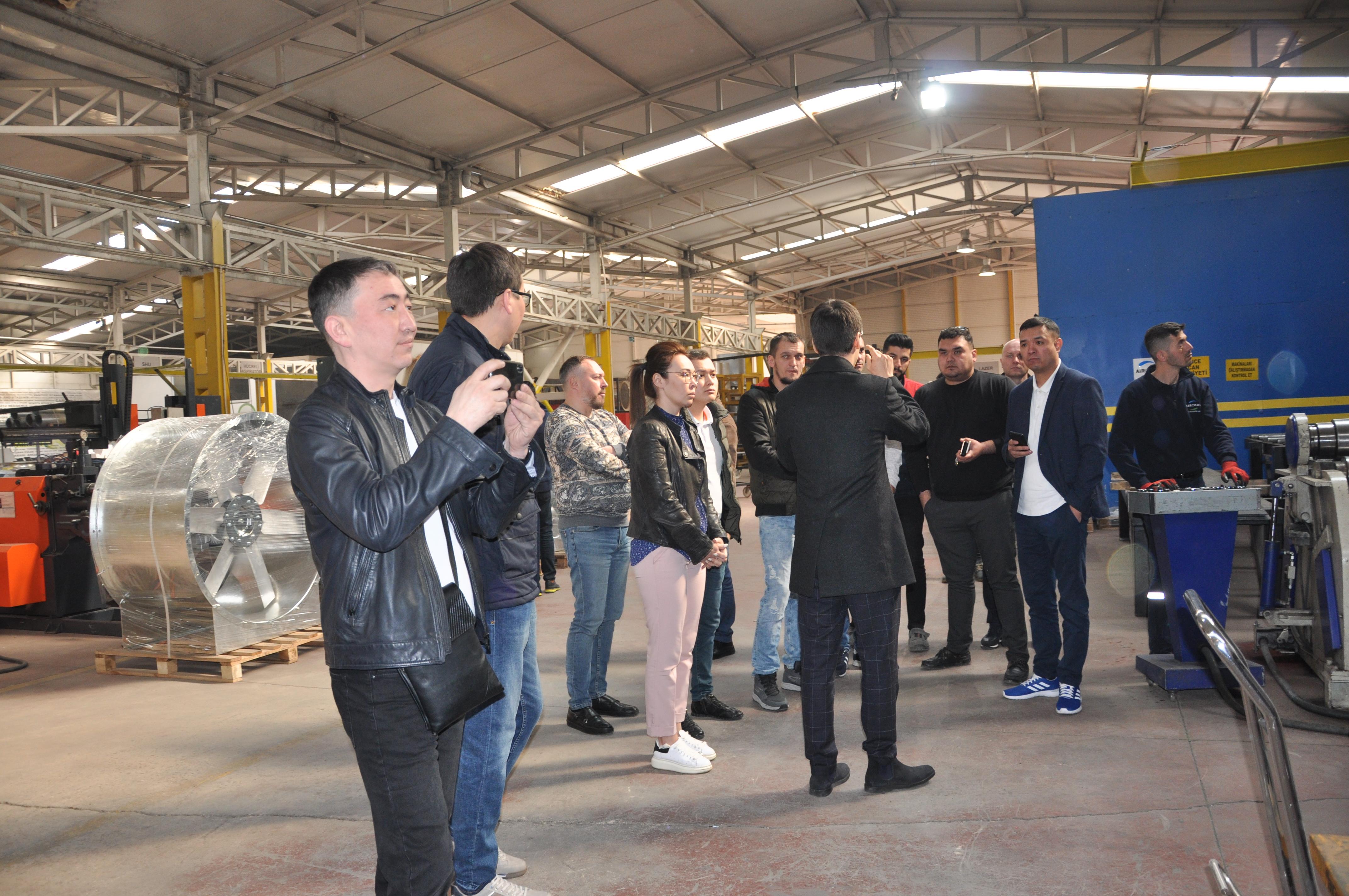 Aironn, Özbekistan Proje Taahhüt Grupları Temsilcilerini Fan Üretim Merkezi'nde Ağırladı
